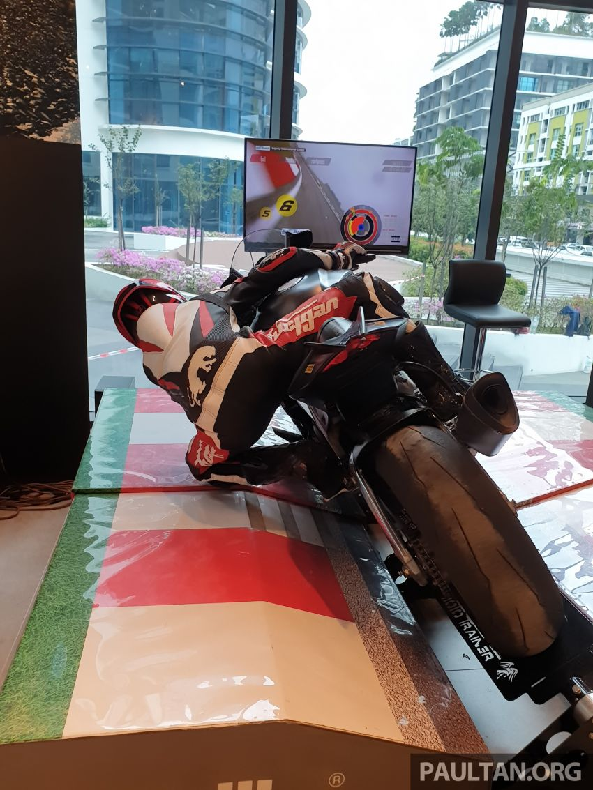Aprilia Moto Trainer now in Motoplex Malaysia – ride any racetrack in the ultimate motorcycle video game Image #1251250