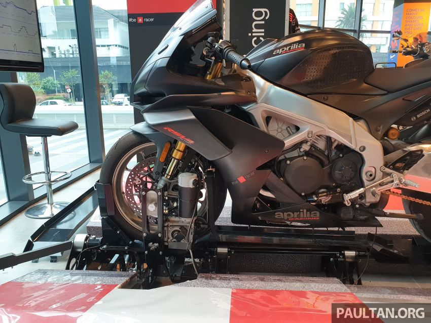 Aprilia Moto Trainer now in Motoplex Malaysia – ride any racetrack in the ultimate motorcycle video game Image #1251253
