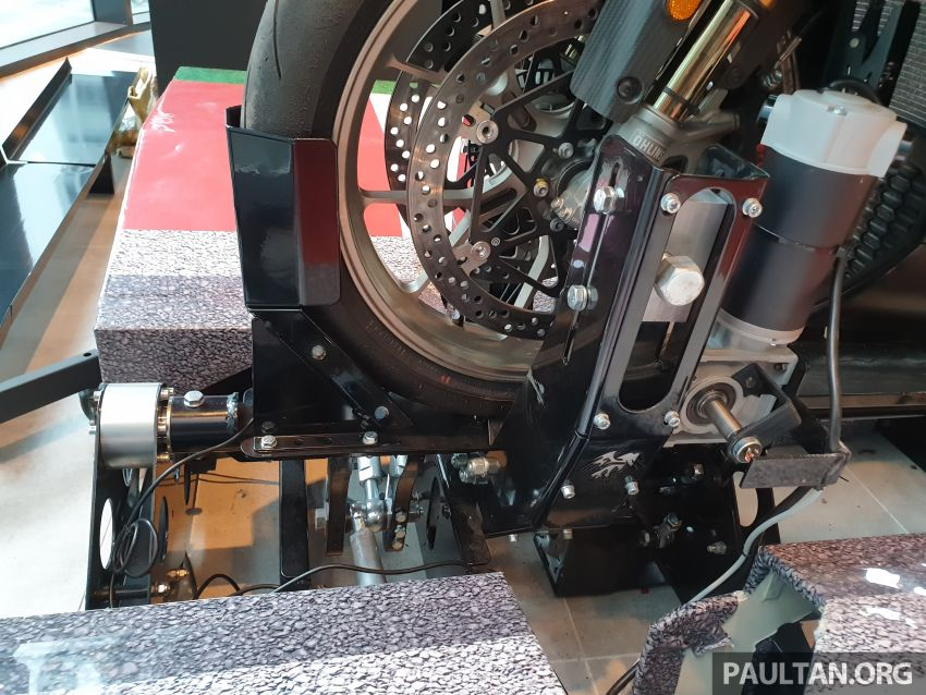 Aprilia Moto Trainer now in Motoplex Malaysia – ride any racetrack in the ultimate motorcycle video game Image #1251257