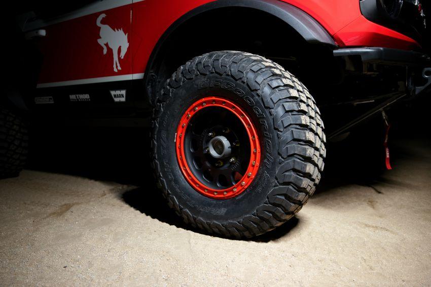 Ford dedahkan trak lumba Bronco 4600 kelas stock Image #1245685