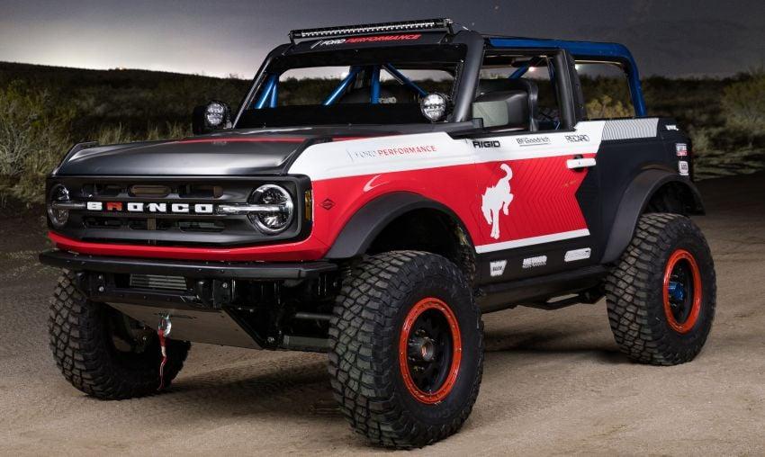 Ford dedahkan trak lumba Bronco 4600 kelas stock Image #1245681