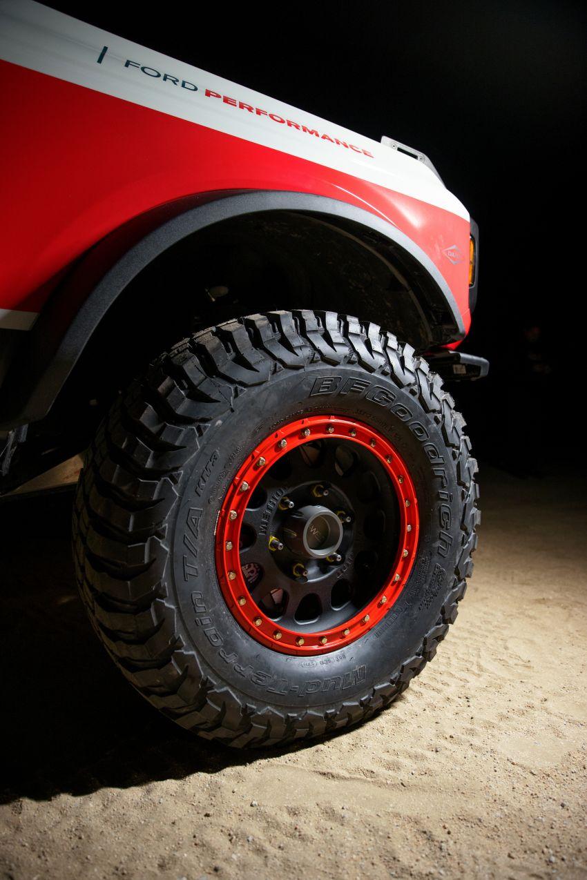 Ford dedahkan trak lumba Bronco 4600 kelas stock Image #1245691