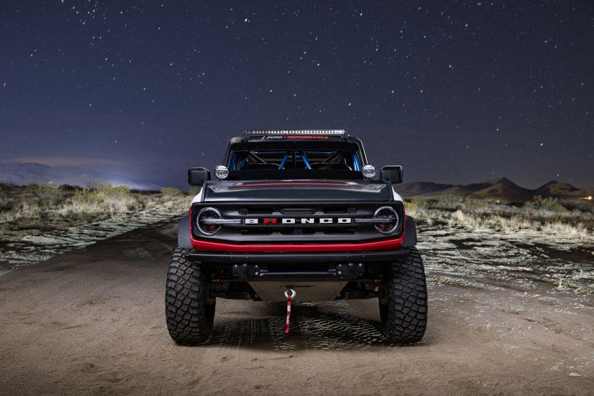 Ford dedahkan trak lumba Bronco 4600 kelas stock Image #1245688