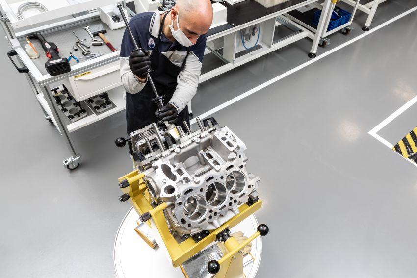 Maserati Nettuno engine – getting acquainted with the 3.0L V6 heart of the new MC20 and the place it is built Image #1248047