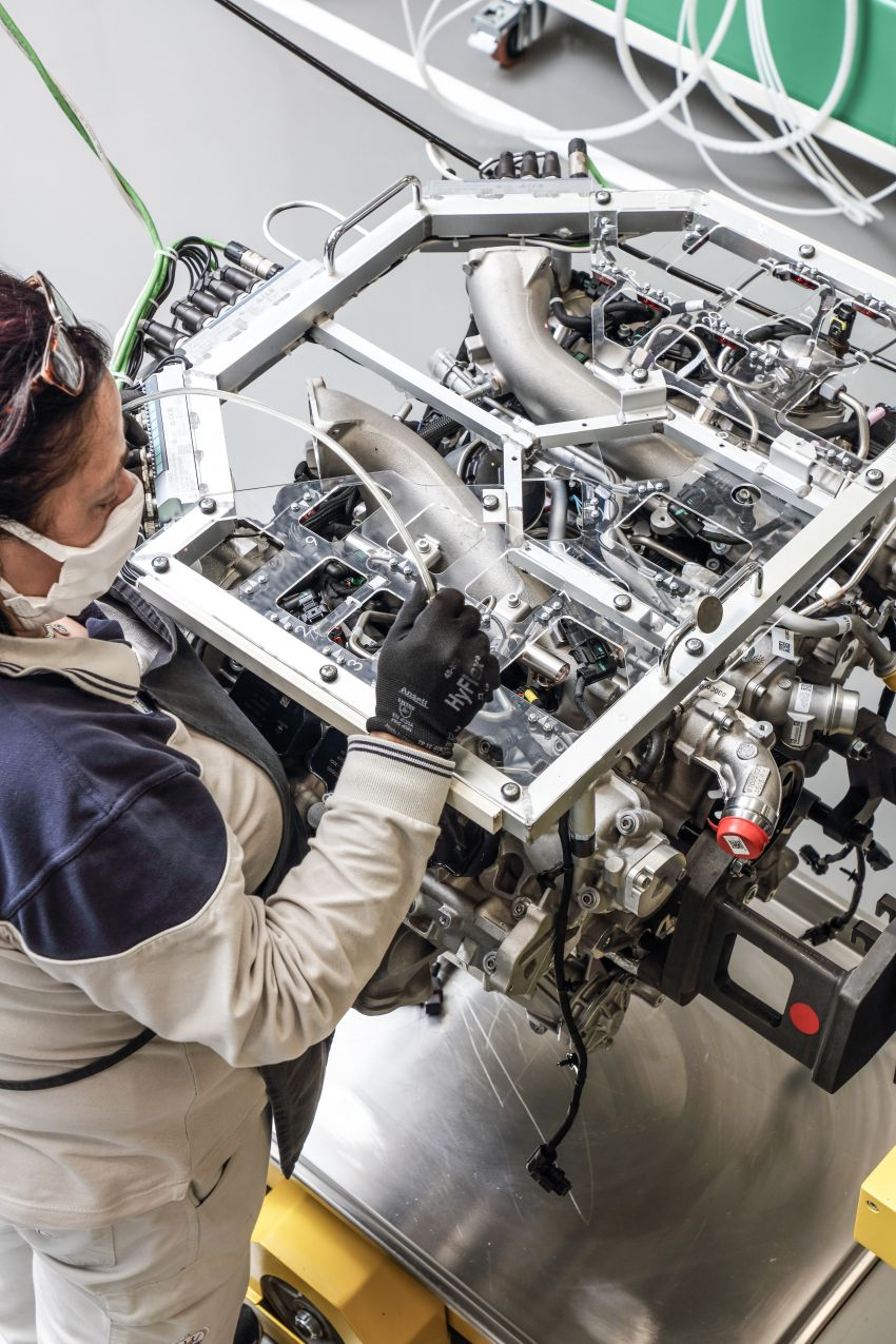 Maserati Nettuno engine – getting acquainted with the 3.0L V6 heart of the new MC20 and the place it is built Image #1248054