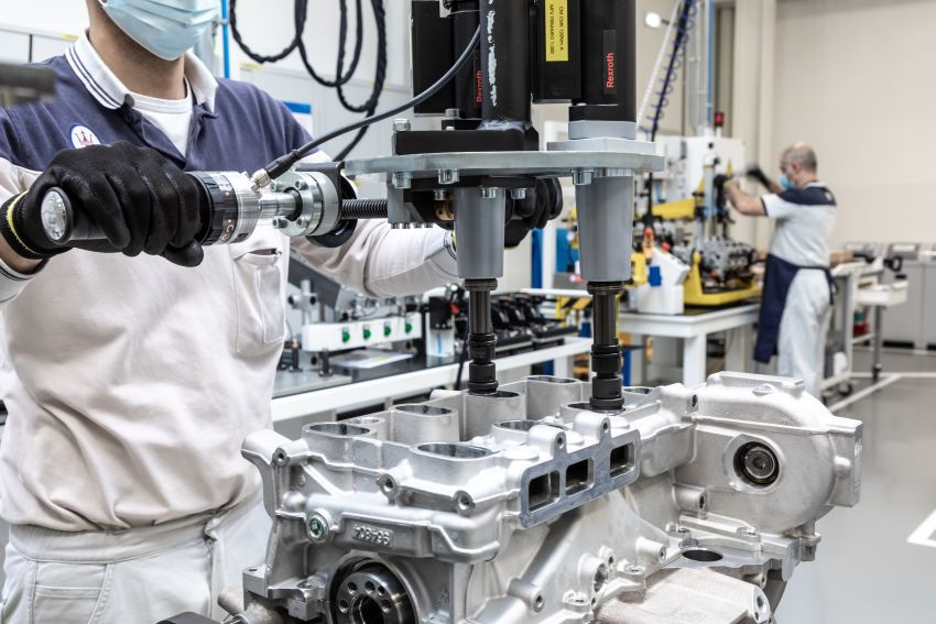 Maserati Nettuno engine – getting acquainted with the 3.0L V6 heart of the new MC20 and the place it is built Image #1248040
