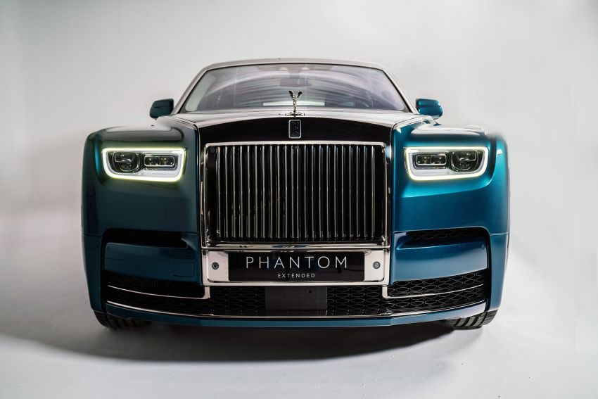 Rolls-Royce Phantom 'Iridescent Opulence' features over 3,000 bird feathers in its dash 'Bespoke Gallery' Image #1243890