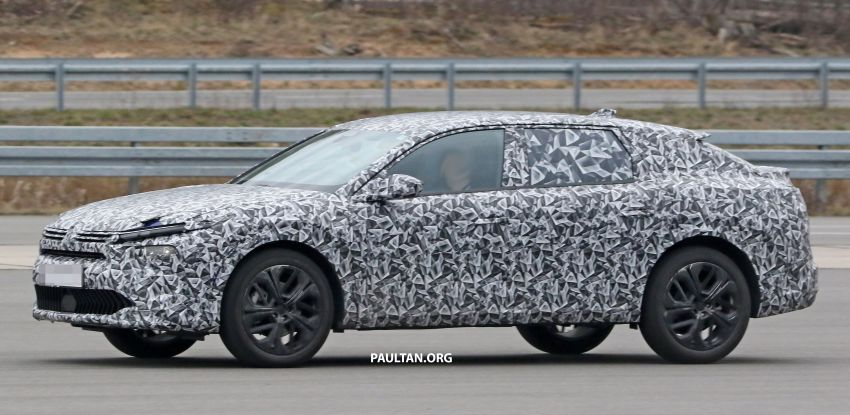 SPYSHOTS: Next Citroen C5 becomes a crossover Image #1259619