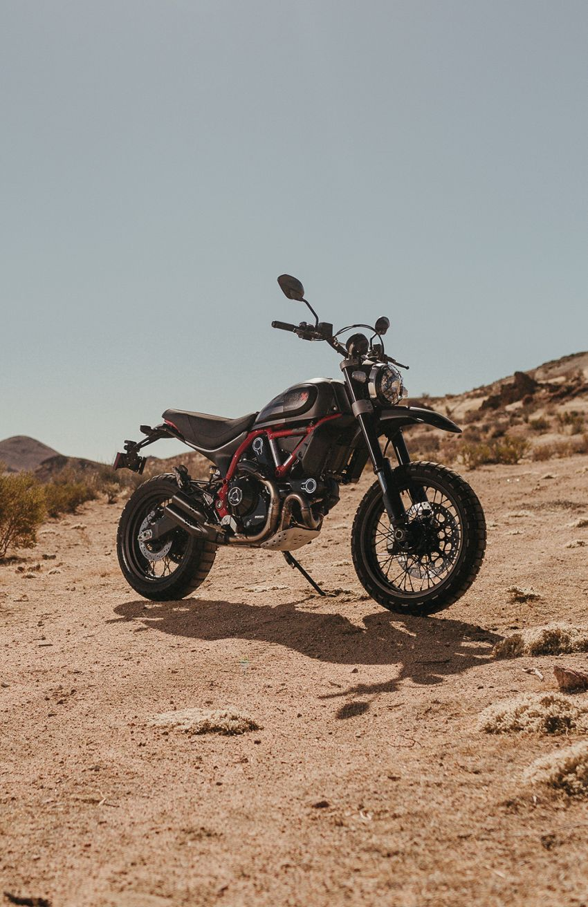2021 Ducati Scrambler Desert Sled Fasthouse limited edition celebrates Mint 400 Hooligan Class race win Image #1261676