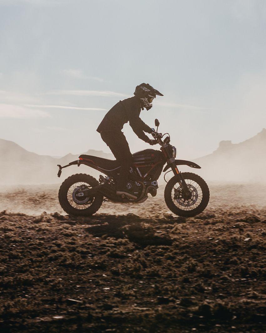 2021 Ducati Scrambler Desert Sled Fasthouse limited edition celebrates Mint 400 Hooligan Class race win Image #1261707