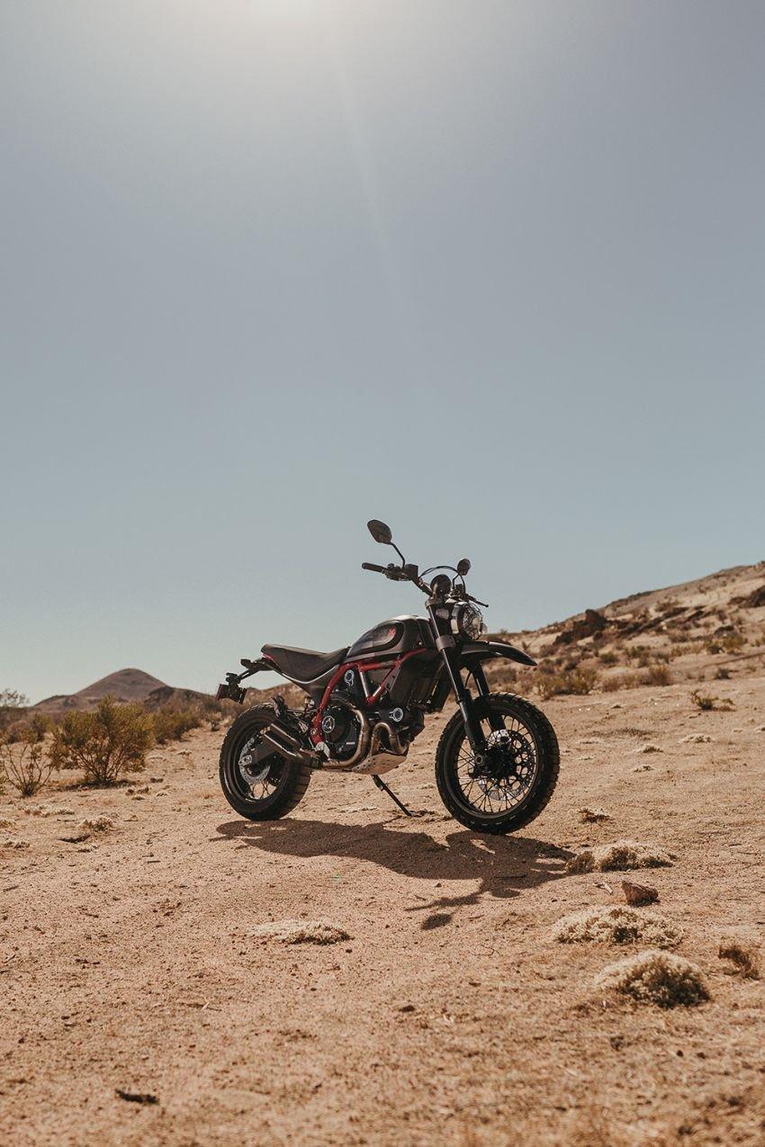 2021 Ducati Scrambler Desert Sled Fasthouse limited edition celebrates Mint 400 Hooligan Class race win Image #1261715