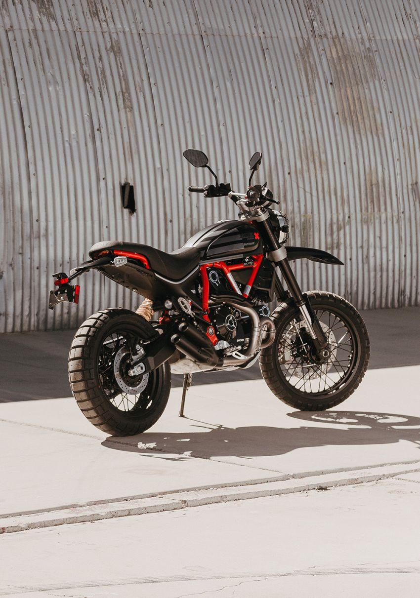 2021 Ducati Scrambler Desert Sled Fasthouse limited edition celebrates Mint 400 Hooligan Class race win Image #1261680