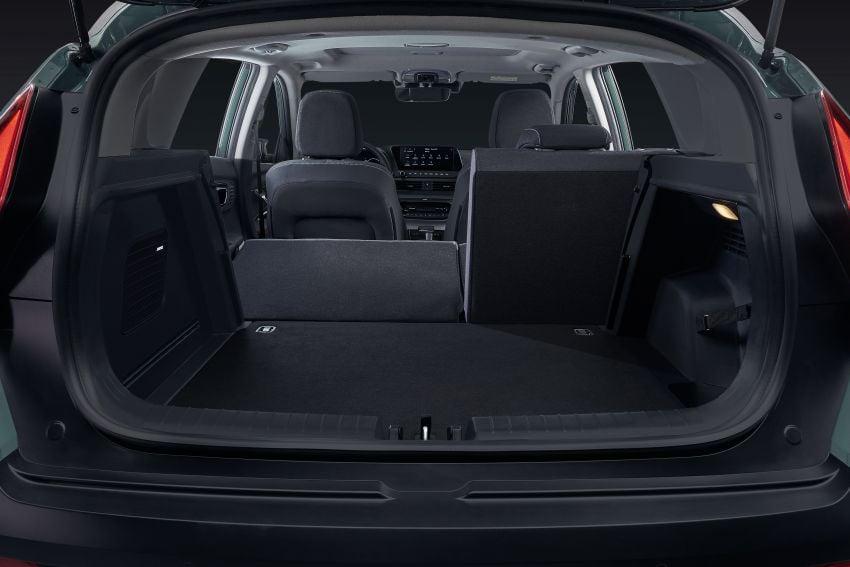 Hyundai Bayon B-segment SUV for Europe – 1.0 litre mild-hybrid T-GDI petrol, SmartSense safety suite Image #1256652
