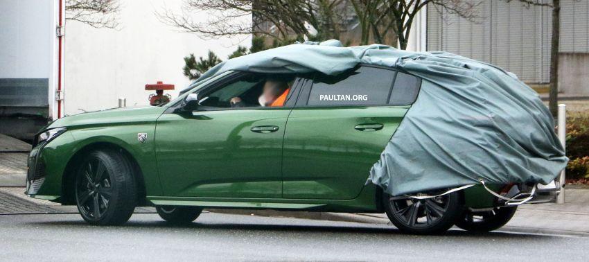 SPIED: Next-gen Peugeot 308 hatch seen undisguised Image #1261203