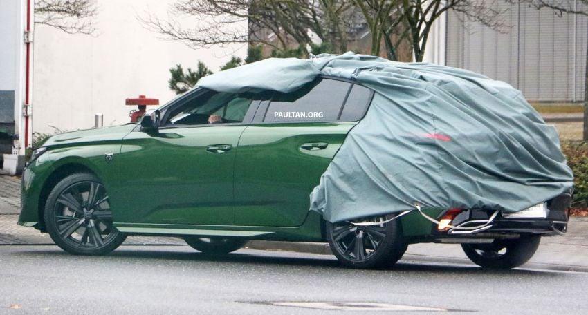 SPIED: Next-gen Peugeot 308 hatch seen undisguised Image #1261201