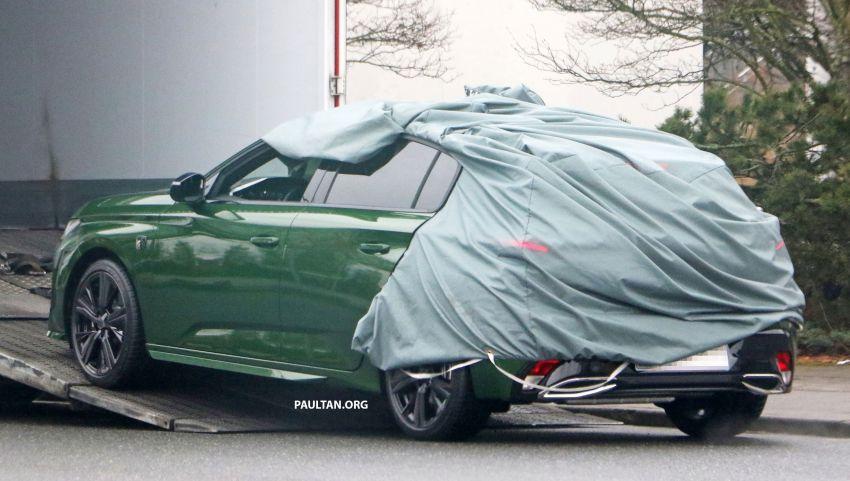 SPIED: Next-gen Peugeot 308 hatch seen undisguised Image #1261199