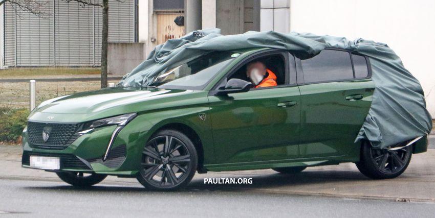 SPIED: Next-gen Peugeot 308 hatch seen undisguised Image #1261209