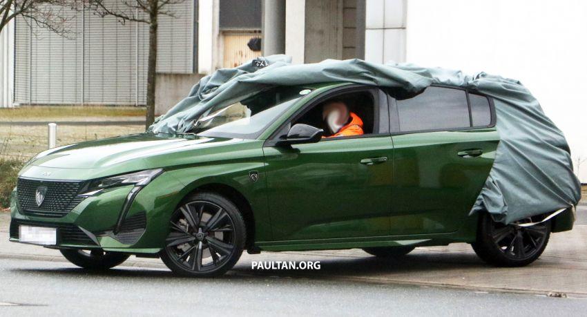 SPIED: Next-gen Peugeot 308 hatch seen undisguised Image #1261208