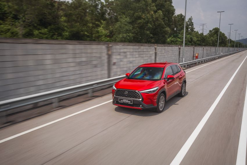 2021 Toyota Corolla Cross launched in Malaysia – two variants, 1.8L with 139 PS and 172 Nm, CVT; fr RM124k Image #1269412