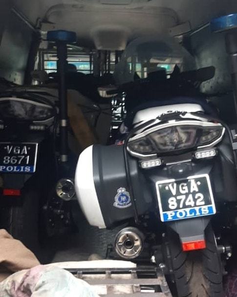 Malaysian police get Yamaha FJR1300P patrol bikes Image #1269302