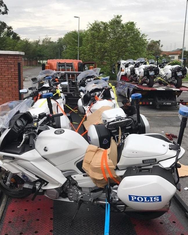 Malaysian police get Yamaha FJR1300P patrol bikes Image #1269303