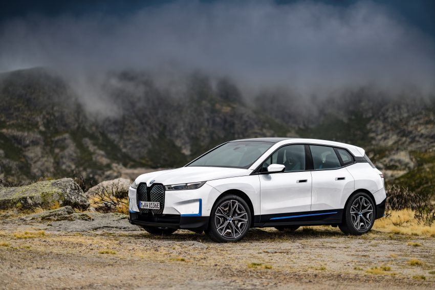 BMW iX electric SUV detailed – 320 PS xDrive40 with 400 km range, 500 PS xDrive50 with 600 km range Image #1264457