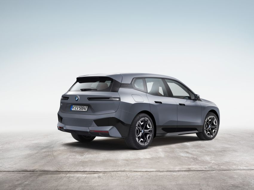 BMW iX electric SUV detailed – 320 PS xDrive40 with 400 km range, 500 PS xDrive50 with 600 km range Image #1264487
