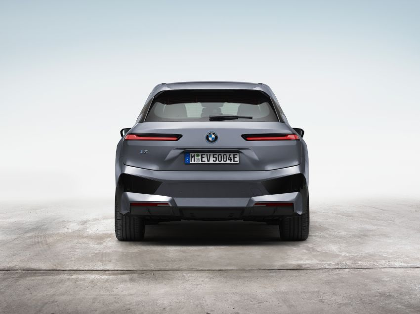 BMW iX electric SUV detailed – 320 PS xDrive40 with 400 km range, 500 PS xDrive50 with 600 km range Image #1264493