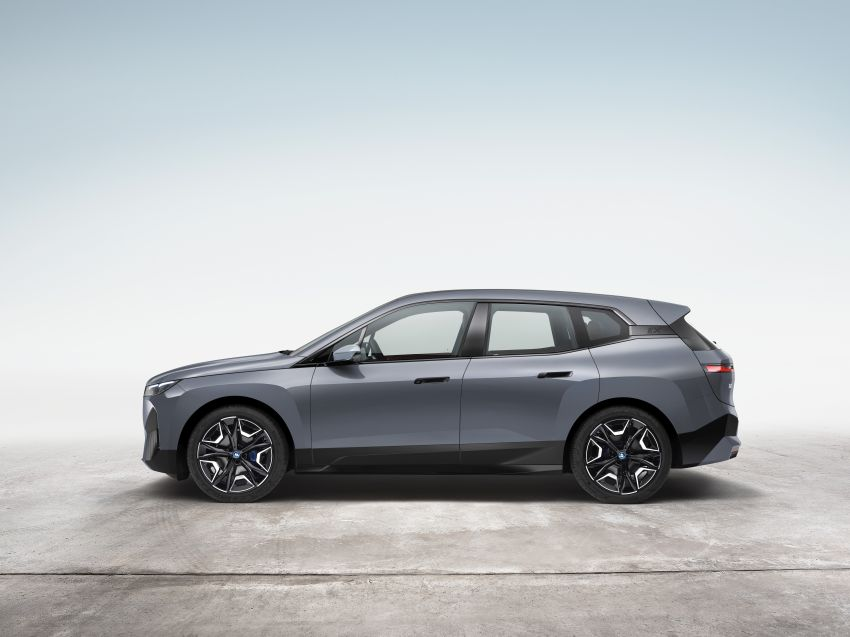 BMW iX electric SUV detailed – 320 PS xDrive40 with 400 km range, 500 PS xDrive50 with 600 km range Image #1264496