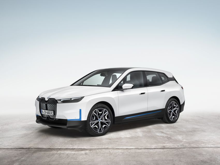 BMW iX electric SUV detailed – 320 PS xDrive40 with 400 km range, 500 PS xDrive50 with 600 km range Image #1264498