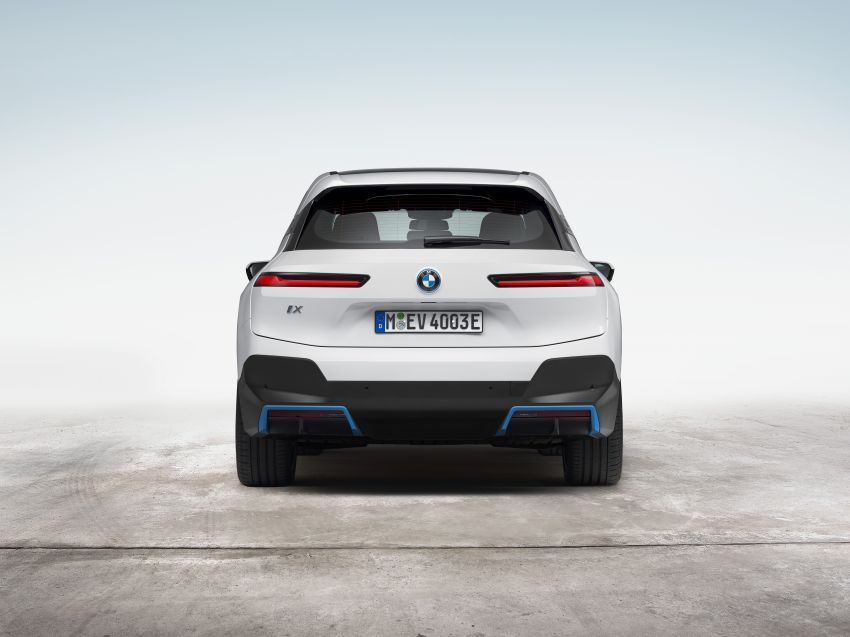 BMW iX electric SUV detailed – 320 PS xDrive40 with 400 km range, 500 PS xDrive50 with 600 km range Image #1264504