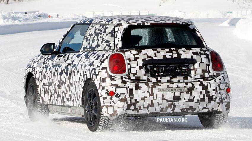 SPYSHOTS: Next-generation MINI Cooper EV on test Image #1266429
