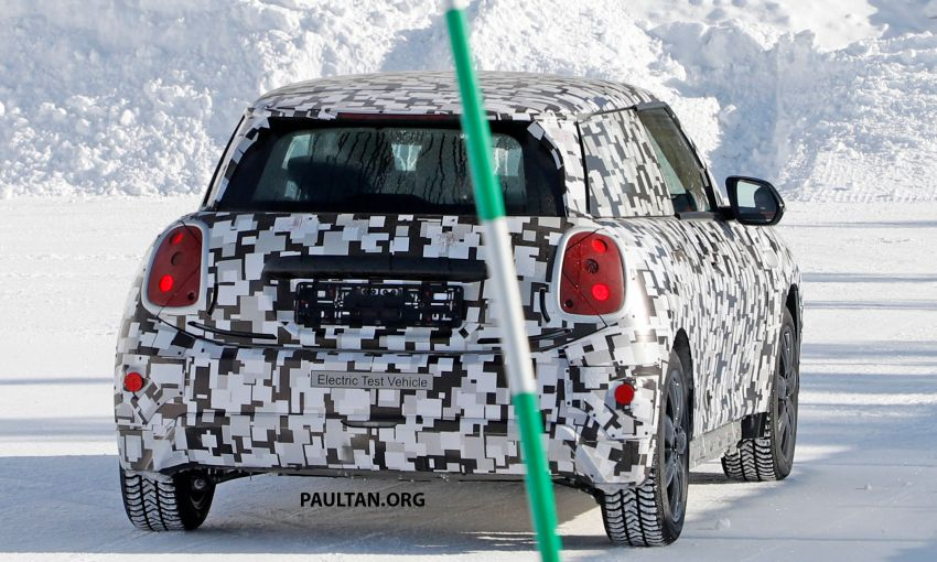 SPYSHOTS: Next-generation MINI Cooper EV on test Image #1266412
