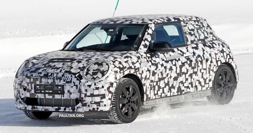 SPYSHOTS: Next-generation MINI Cooper EV on test Image #1266418