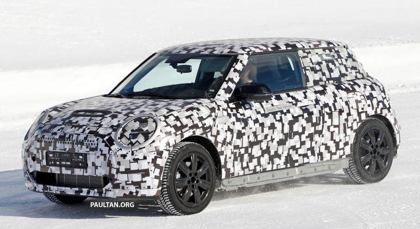 SPYSHOTS: Next-generation MINI Cooper EV on test Image #1266419