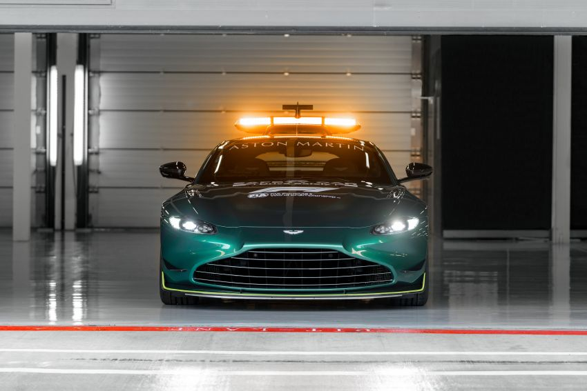 Aston Martin Vantage and DBX revealed as official Formula 1 safety and medical cars for 2021 season Image #1259309