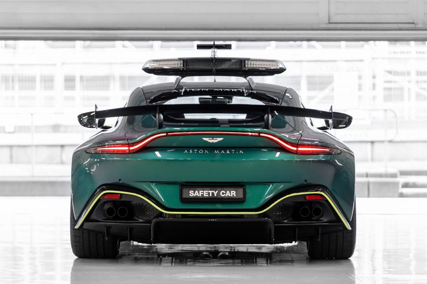 Aston Martin Vantage and DBX revealed as official Formula 1 safety and medical cars for 2021 season Image #1259310