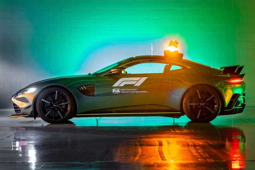 Aston Martin Vantage and DBX revealed as official Formula 1 safety and medical cars for 2021 season Image #1259313