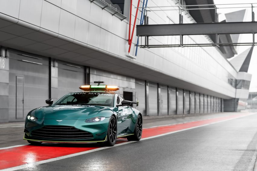 Aston Martin Vantage and DBX revealed as official Formula 1 safety and medical cars for 2021 season Image #1259314