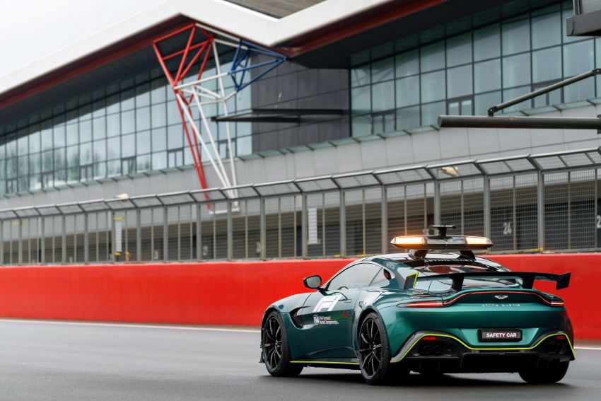 Aston Martin Vantage and DBX revealed as official Formula 1 safety and medical cars for 2021 season Image #1259315