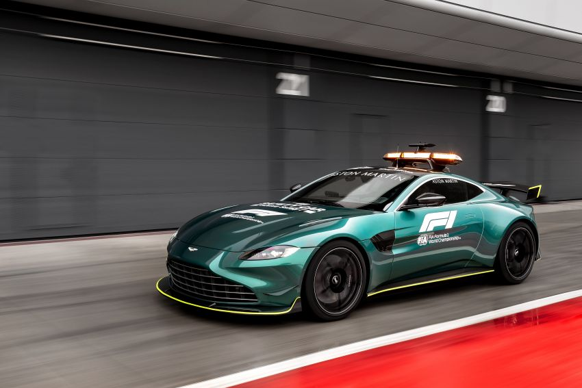 Aston Martin Vantage and DBX revealed as official Formula 1 safety and medical cars for 2021 season Image #1259316