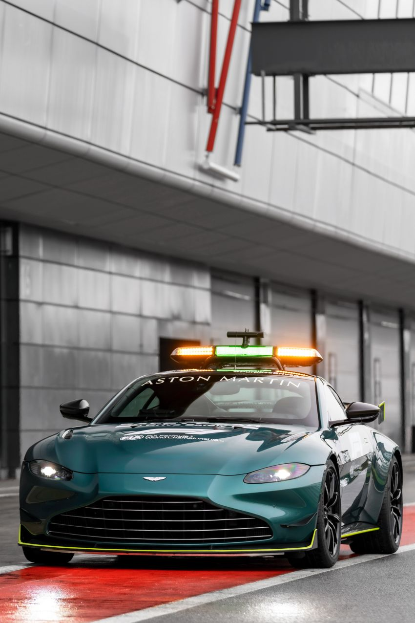 Aston Martin Vantage and DBX revealed as official Formula 1 safety and medical cars for 2021 season Image #1259317