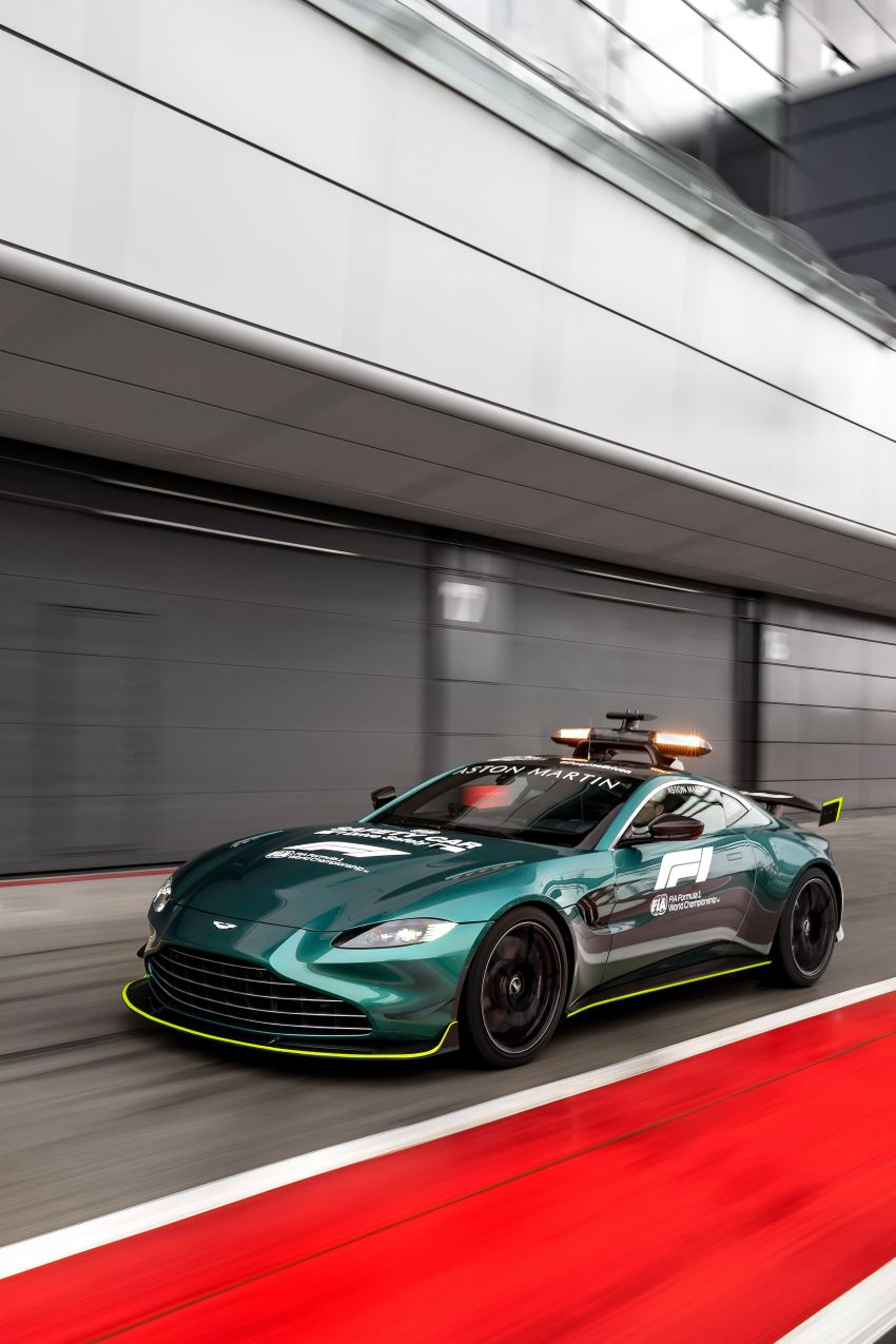 Aston Martin Vantage and DBX revealed as official Formula 1 safety and medical cars for 2021 season Image #1259318