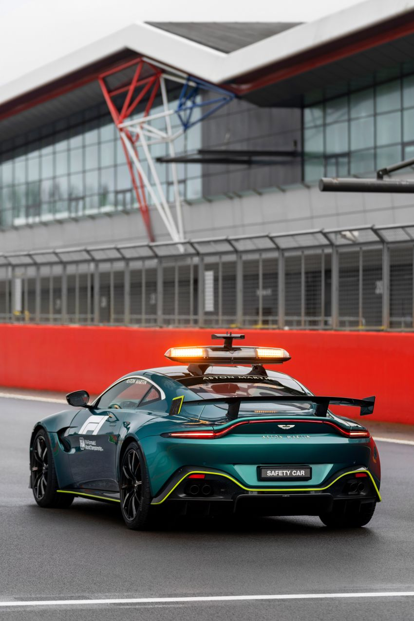 Aston Martin Vantage and DBX revealed as official Formula 1 safety and medical cars for 2021 season Image #1259322