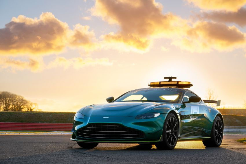 Aston Martin Vantage and DBX revealed as official Formula 1 safety and medical cars for 2021 season Image #1259323