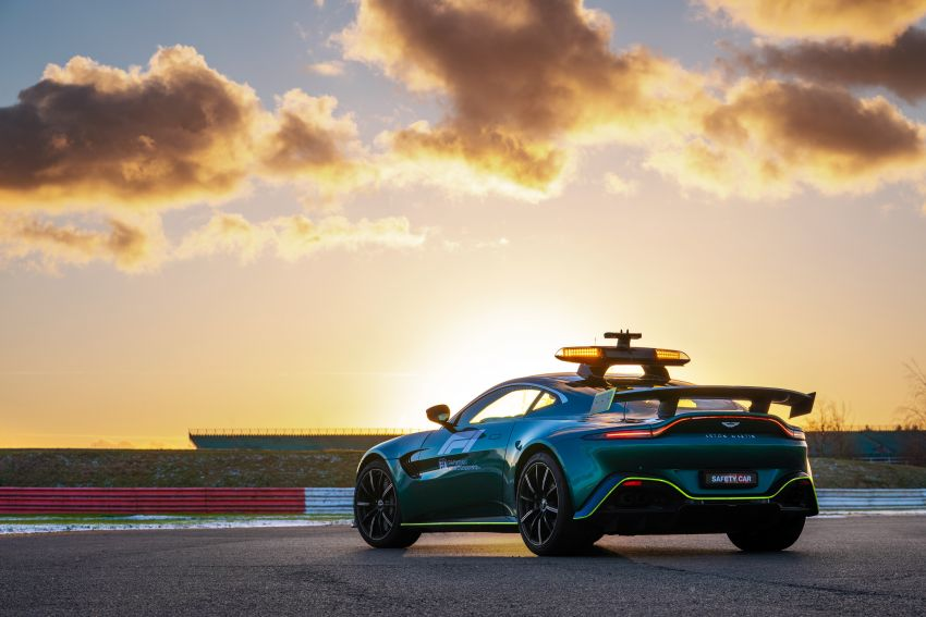Aston Martin Vantage and DBX revealed as official Formula 1 safety and medical cars for 2021 season Image #1259324