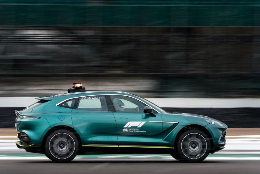 Aston Martin Vantage and DBX revealed as official Formula 1 safety and medical cars for 2021 season Image #1259327