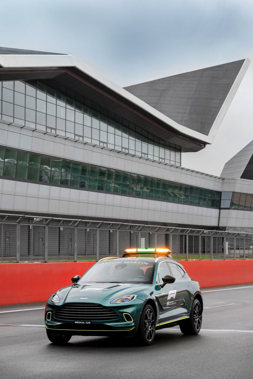 Aston Martin Vantage and DBX revealed as official Formula 1 safety and medical cars for 2021 season Image #1259328