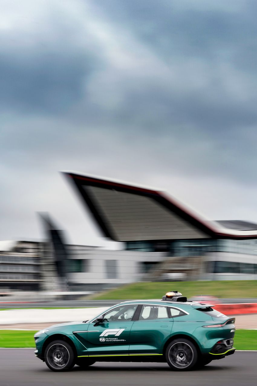 Aston Martin Vantage and DBX revealed as official Formula 1 safety and medical cars for 2021 season Image #1259333