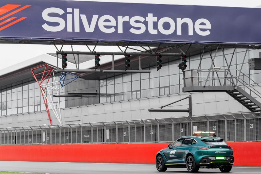 Aston Martin Vantage and DBX revealed as official Formula 1 safety and medical cars for 2021 season Image #1259334